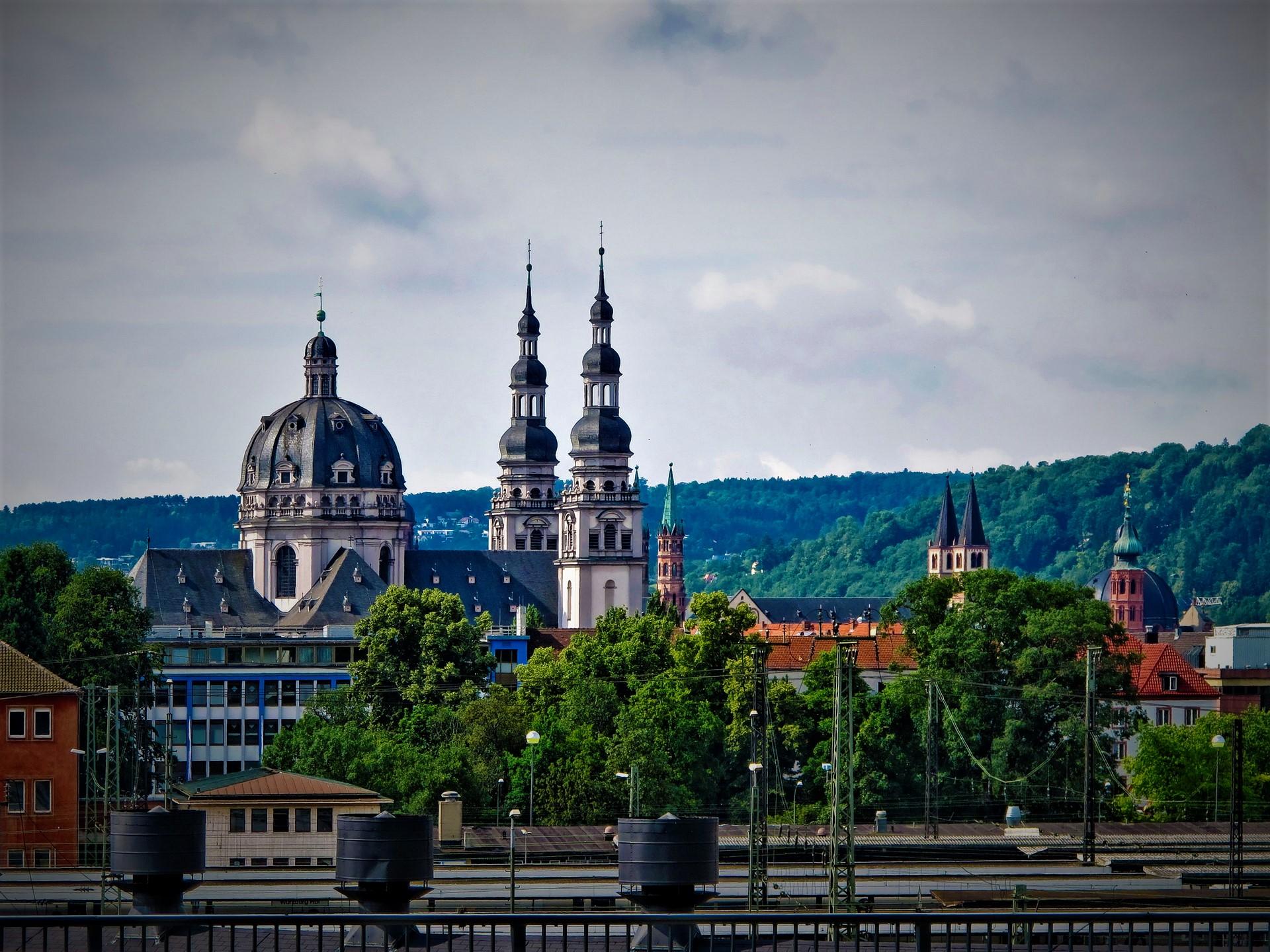 Einfache und preiswerte Umzüge mit dem Umzugsunternehmen Würzburg Photo